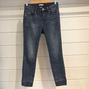 GOOD AMERICAN Good Legs Jeans Size 28